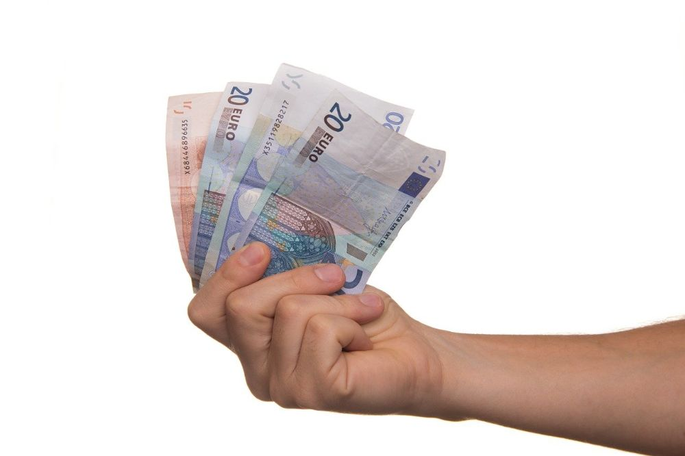 3 manieren om geld te lenen