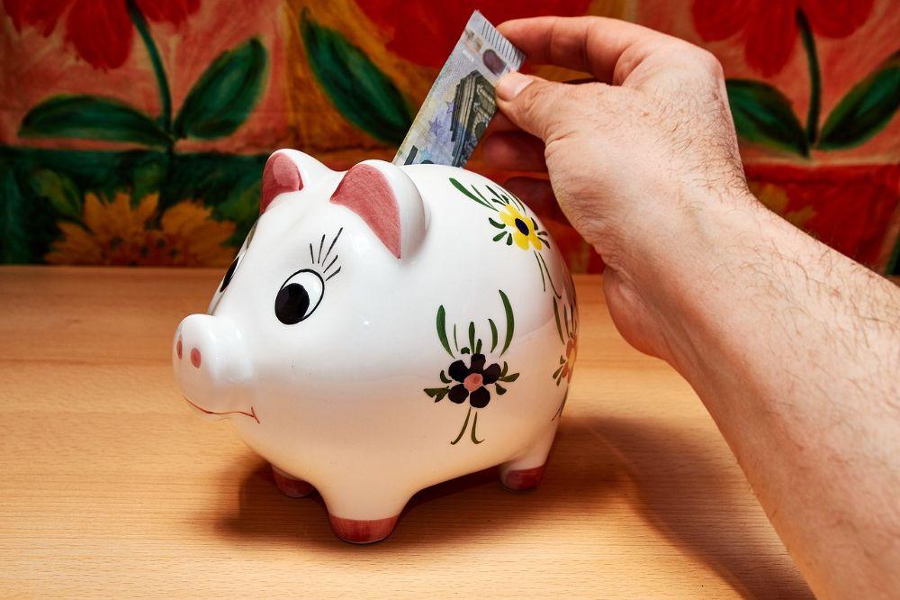 Zo zet je maandelijks meer geld opzij